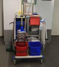 Chariot de nettoyage industriel